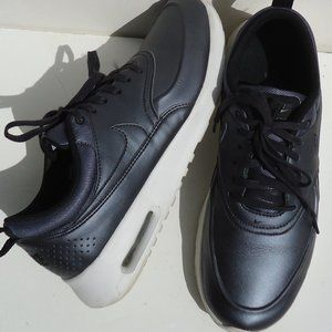 SIZE 9.5 .NIKE Air Max Thea SE Running Sneakers .